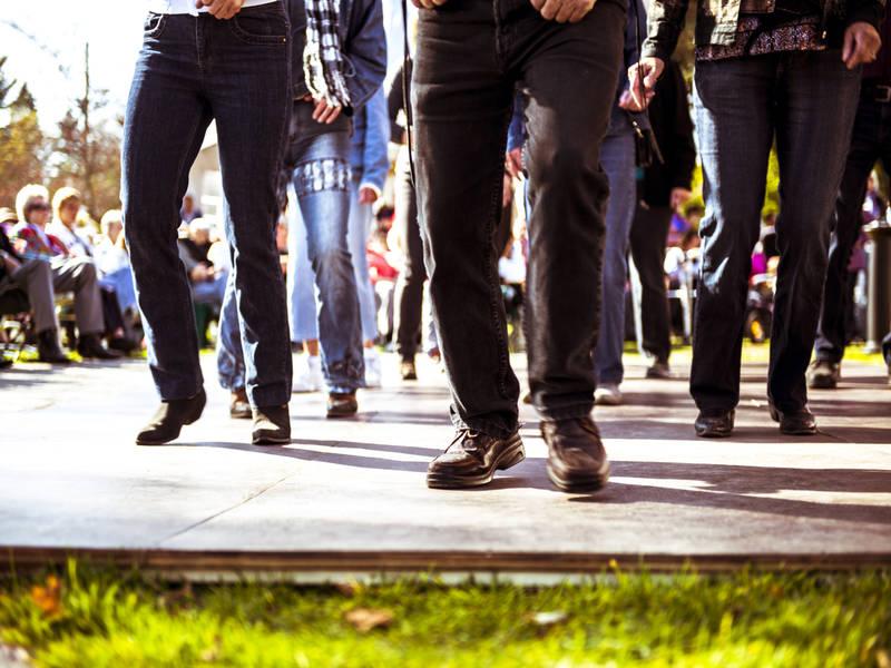 week-end-country-aux-couleurs-de-saint-sauveur-piste-de-danse-au-week-end-country
